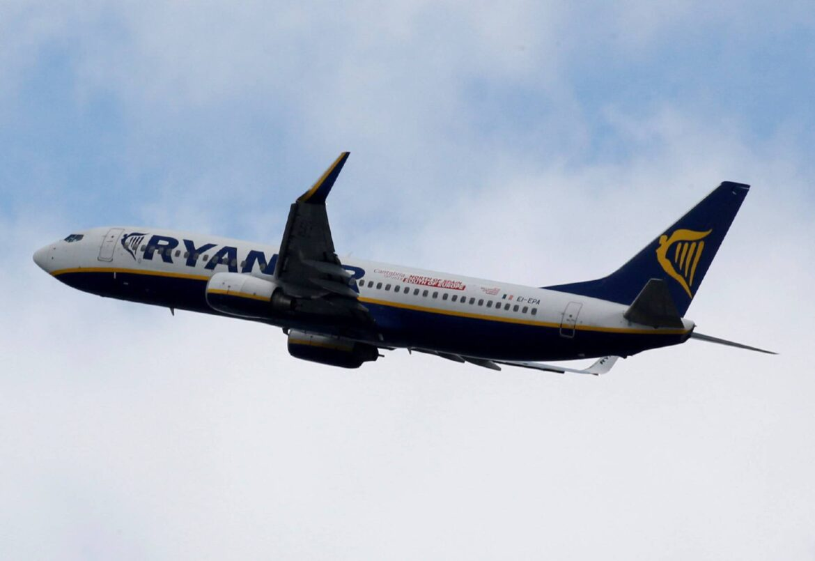 Ryanair Cannot Send Luggage On A Flight Other Than The Passenger's